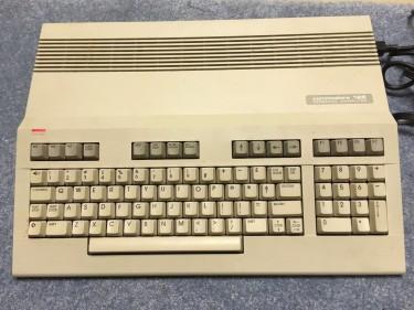 commodore-128-model-c128_1_7cf6a158186b202085411676379adc22
